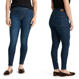 Levi's Totally Shaping Pull-On Skinny W30 L30